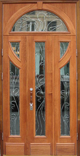 Металлические двери в подъезд с домофоном и без по низким